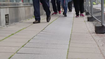 Bild på Vasagatans trottoar som kommer att rustas från och med söndag.