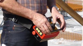 Cavotec's lightweight MC3100 radio remote control unit