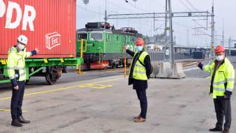 Foto, från vänster: Alexander Johansson, Sales & Marketing Officer på Hutchison Ports Sweden, Roy Hayward, Business Development Executive på Containerships och Lawrence Yam, CEO på Hutchison Ports Sweden.