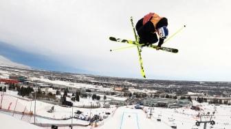 Det var svårt med farten till hoppen i den lilla backen i Calgary, Kanada. Jesper Tjäder lyckades ta sig till final och där blev han åtta. Bild: Niklas Eriksson. (Fri att använda för redaktionellt bruk.)