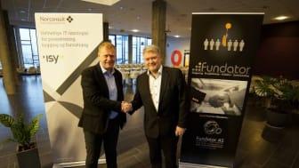 Utvider tilbudet:  Norconsult kjøper det Trondheims-baserte IT-rådgiverselskapet Fundator AS. T.v. direktør Norconsult Informasjonssystemer Ola Greiff Johnsen, t.h. administrerende direktør i Fundator Eirik Thun. Fotograf: Andreas Ravnestad.