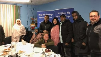 Deltagare och rådgivare vid informationsträffen hos Somaliska Freds.
