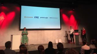 """Verleihung des Digital PR Award in der Rubrik """"Newcomer des Jahres"""" - 1"""