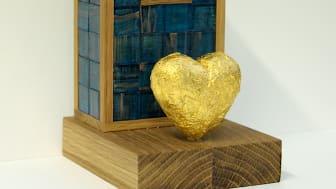 """""""Den gyllene boken"""". Bokpris skapat av samtidskonstnären Ernst Billgren"""