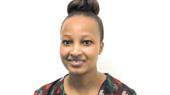 Sharon Wanjala Mwamburi från Södertörns högskola får Global Swede-diplom