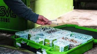 ESSVEs smarta transport- och förvaringssystem ESSBOX System samt våra infästningsprodukter kommer ni framöver hitta på Woody Bygghandel.