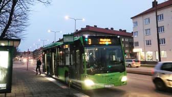 Hållplats Falsterboplan stängs i båda riktningar under ombyggnaden av Nobelvägen. Närmaste hållplatser blir Nobeltorget och Södervärnsplan.