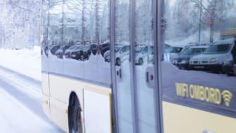 Res hållbart med bussen! År 2021 blir Piteås lokaltrafik fri från fossila utsläpp. Foto: Piteå kommun