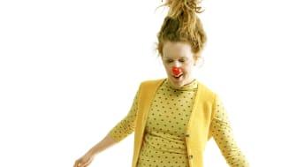 Clowner på gator och torg för Världens Barn