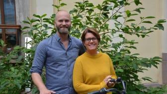 Lars Strömgren, Cykelfrämjandets ordförande, och Ella Ekenberg, projektledare i Kristianstads kommun ser fram emot veckans cykelturer i nordöstra Skåne och västra Blekinge.