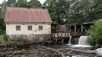 Järle kvarn med dämmet som nu får rivas. Foto: ÖLM/Per Torgén