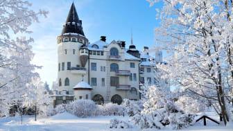 Scandic Imatran Valtionhotelli on satumainen näky talviasussaan.