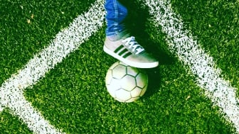 ThorenGruppen stöttar fotbollsturneringen Loyal Visionaries där de aktiva spelar för välgörande ändamål istället för poäng.