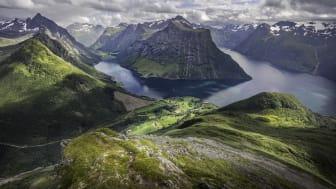 Hjørundfjorden. Foto: Visit Ålesund