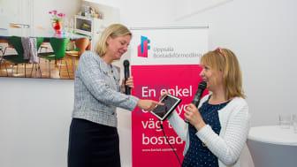 Bostadsförmedlingens vd, Mona Lindén (till höger) tillsammans med Sveriges finansminister Magdalena Andersson i samband med invigningen 2016.