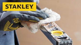 Eksklusiv sort pulverlakeret overflade gør STANLEY FATMAX CLASSIC PRO meget rengøringsvenlige og betonstøv, gips og andre arbejdsmaterialer kan nemt fjernes med en klud.