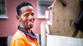 Hassan först anställd från Jobbspår avfall