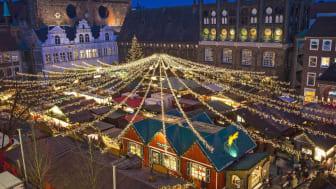 Lübeck: Weihnachtsmarkt Rathaus