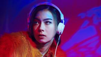 """""""Switch"""" (Lauren Tsai)"""