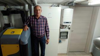 Energetische Haussanierung von Grund auf: Mit Wärmepumpe und Stromspeicher im Heizungskeller ging Rudolf Gröschl in Richtung energieautarkes Wohnen.