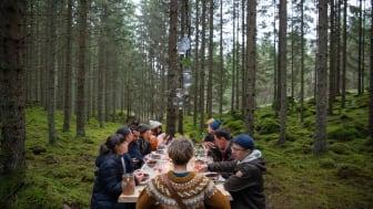 Den svenska naturen bjuder på fantastiska råvaror och med Visit Swedens The Edible Country ska utländska turister få upp ögonen för genuina upplevelser. Foto: August Dellert