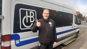 Stor erfaring og stærkt hjælpe-gen gjorde 62-årige René til handicapchauffør