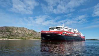 MS Roald Amundsen - Photo credit Hurtigruten _  Espen Mills - 04