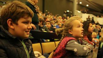 Viertklässler der Grundschule Louisenlund beim Besuch der Kinder- und Schüleruni Kiel