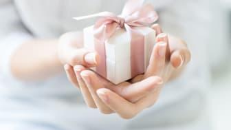En liten pakke fra gullsmeden kan gi stor glede.