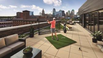 Harjoittele peliä kotona tai rangella  Garmin Approach R10 kannettavan golf launch monitorin avulla