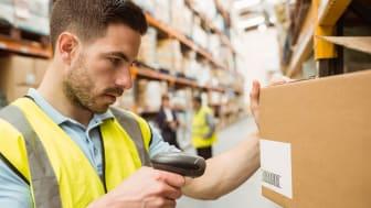 """Seks butikker i detail- og logistikbranchen har åbnet op for at ansatte medarbejdere med Autisme Spektrum Forstyrrelse  i projekt """"Klar til start""""."""