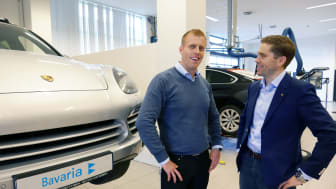 Porsches strenge kvalitetskrav til karosseriverksted innfridd i Norge for første gang; f.v. Roy Edland, Bavaria og Øyvind Duvaland, Porsche