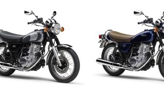 写真左より、「SR400 Final Edition Limited」(ブラック)、「SR400 Final Edition」(ダークグレー)、「SR400 Final Edition」(ブルー)