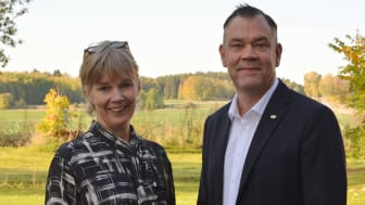 Lena Gumaelius och Paul Pettersson, rektor vid MDH.