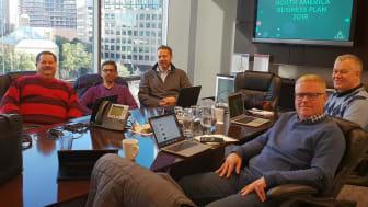 USA-teamet, bestående av Paul Barone, Shawn Gupta, Filip Rosander, Thomas Goréus och längst till höger Ryan Kluft.