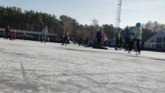 Till vintersäsongen 2022/2023 ska bandyplanen på Ruddalens idrottscentrum bli en hall.