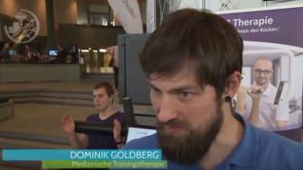 Dominik Goldberg vom FPZ Rückenzentrum Leverkusen erläutert die FPZ Analyse