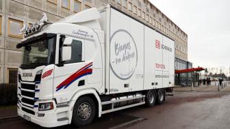 Transporter vid Toyotas truckfabrik i Mjölby går på biogas