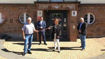 V.l.: Erster Beigeordneter Walter Horn (Gemeinde Fronhausen), André Rößner (Deutsche Glasfaser), Claudia Schnabel (Bürgermeisterin Gemeinde Fronhausen), Stefan Teutscher (Deutsche Glasfaser)