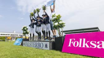 Jump Club RF med Kajsa Björe, Amanda Landeblad, Alice Tapper, Filippa Enmark, Emma Emanuelsson och lagledare Ola Torstenson, segrare i Folksam Elitallsvenska.