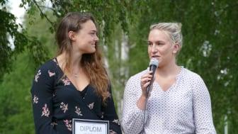Skicrossåkaren Alexandra Edebo och alpinskidåkaren Fanny Axelsson