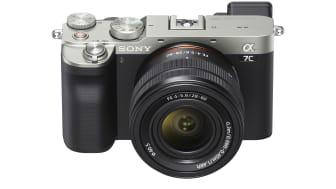 Модель Alpha 7C — самая маленькая и легкая полнокадровая камера с бескомпромиссными техническими характеристиками