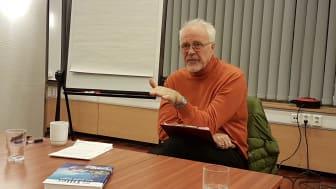 Utbildning Nord har engagerat den norske professor emeritus i pedagogik och lärande Tom Tiller, för att utveckla sig inom aktionslärande
