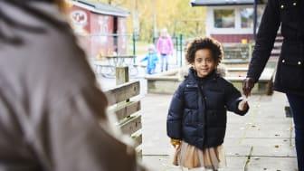 Det är förskolenämnden i Göteborg som har gett förskoleförvaltningen i uppdrag att utreda om och hur förskolor kan slås samman. Sammanslagning innebär att förskolorna kommer att börja räknas som samma enhet. Fotograf: Katja Ragnstam