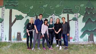 Ungdomarna som jobbat med projektet är Fanny Lindström, Samuel Bergsten, Saga Vesterlund, Elina Mikkola, Emmy Wikström, Hugo Laestander.