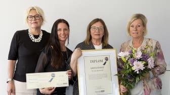 Fr v: Ammy Wehlin, afffärsområdeschef, Rebecca Frylmark Berg, regionchef, Arja Pohjamäki, undersköterska på Attendo Hammarby och Anette Beijar, verksamhetschef på Attendo Hammarby. Foto: Janne Björklund.