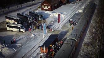På söndag ankommer över 270 resenärer med nattåget till Röjan