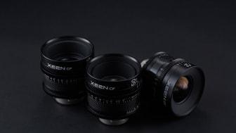 Die neu eingeführte XEEN CF Reihe von Cine-Objektiven besteht aus kompakten und leichten Objektiven mit einem Linsenzylinder aus Kohlefaser, eine Weltneuheit.