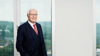 Dr. h. c. Josef Beutelmann - ausgezeichnet mit dem Bundesverdienstkreuz am Bande