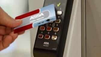 ASSA Pando Secure läsare monterad